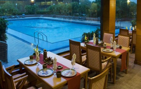 Avari Lahore Swimming pool