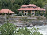 Riverside Resor Khanian