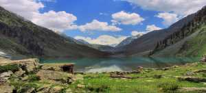Pakistan Jeep Safaris trekking tours