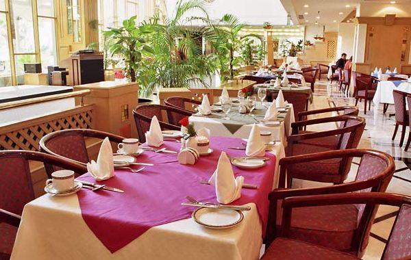 Karachi Marriott Nadia Coffee Shop