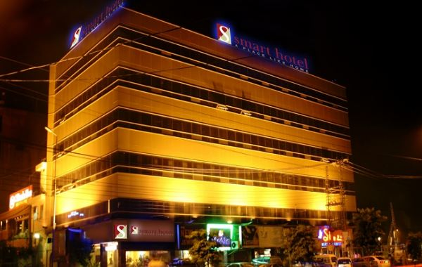 Mmart Hotel Lahore Outside view